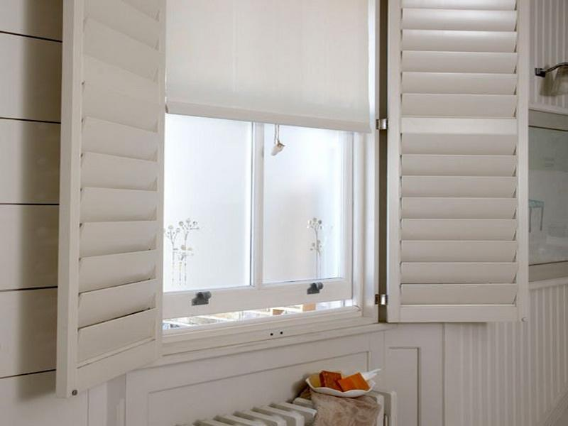Bathroom Window Treatment Ideas Photo 1