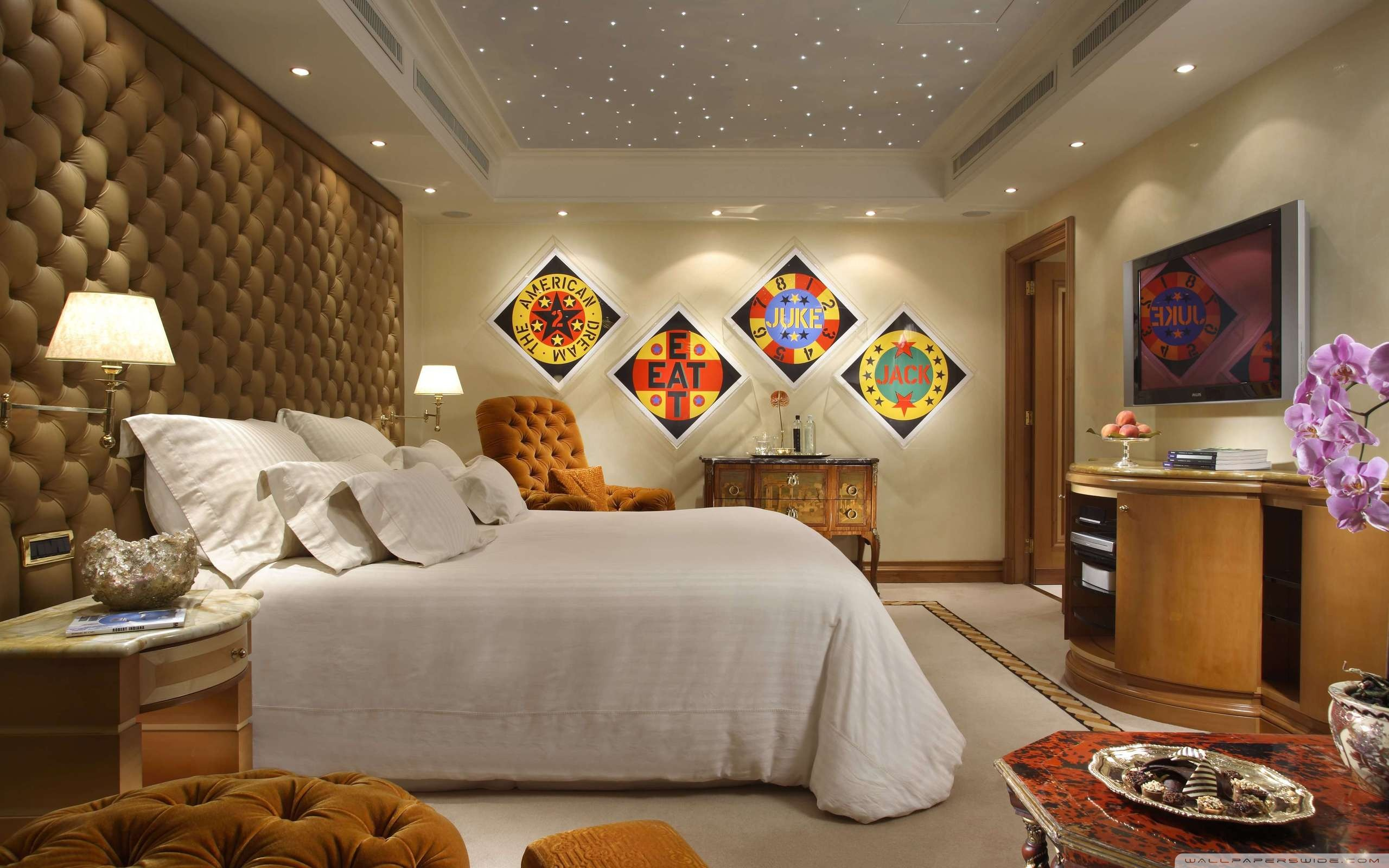 bedrooms with wallpaper photo - 2