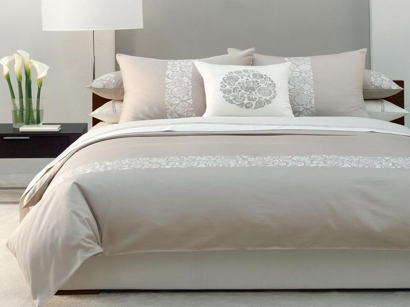 best color for small bedroom photo - 1