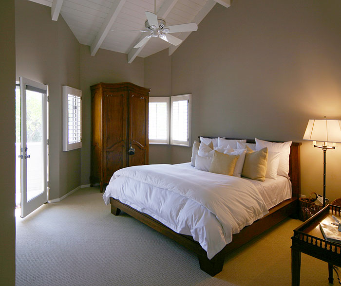best color for small bedroom photo - 2
