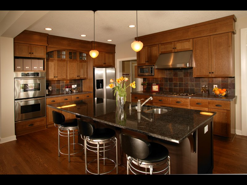 best colors for small kitchens photo - 1