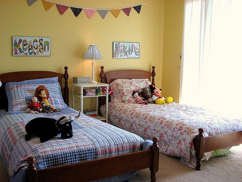 boy and girl in bedroom photo - 2