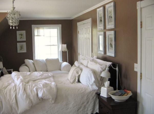 brown walls in bedroom photo - 1