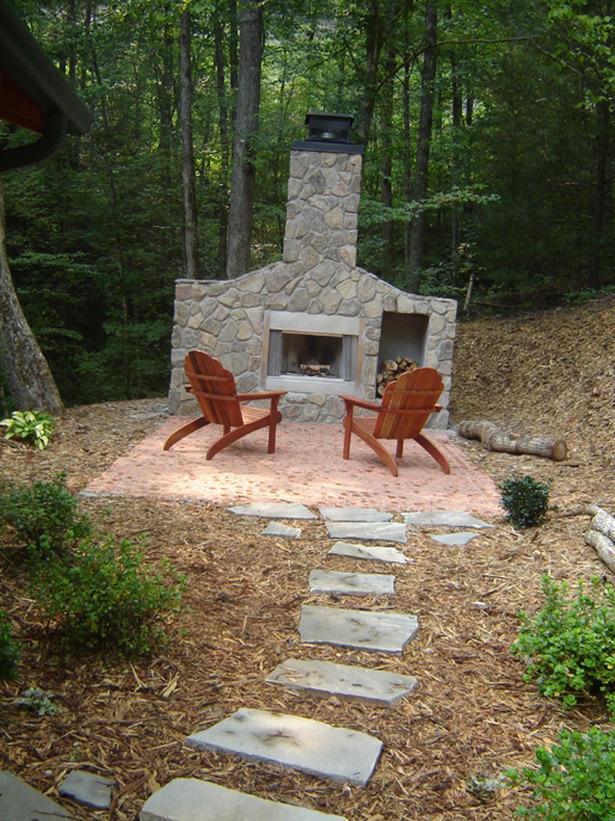 build a backyard fireplace photo - 2