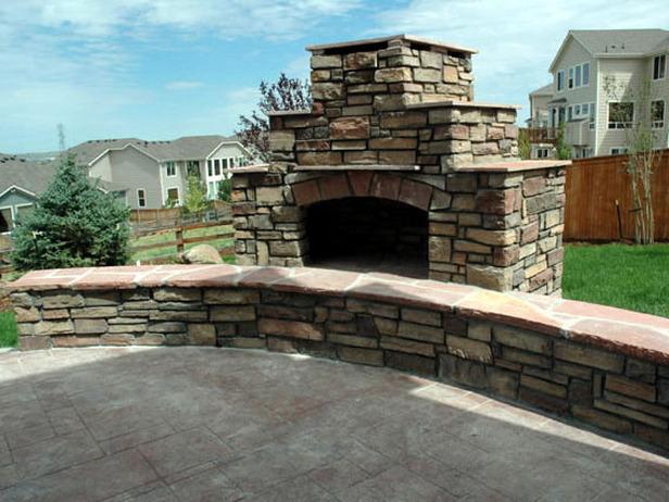 building a backyard fireplace photo - 1