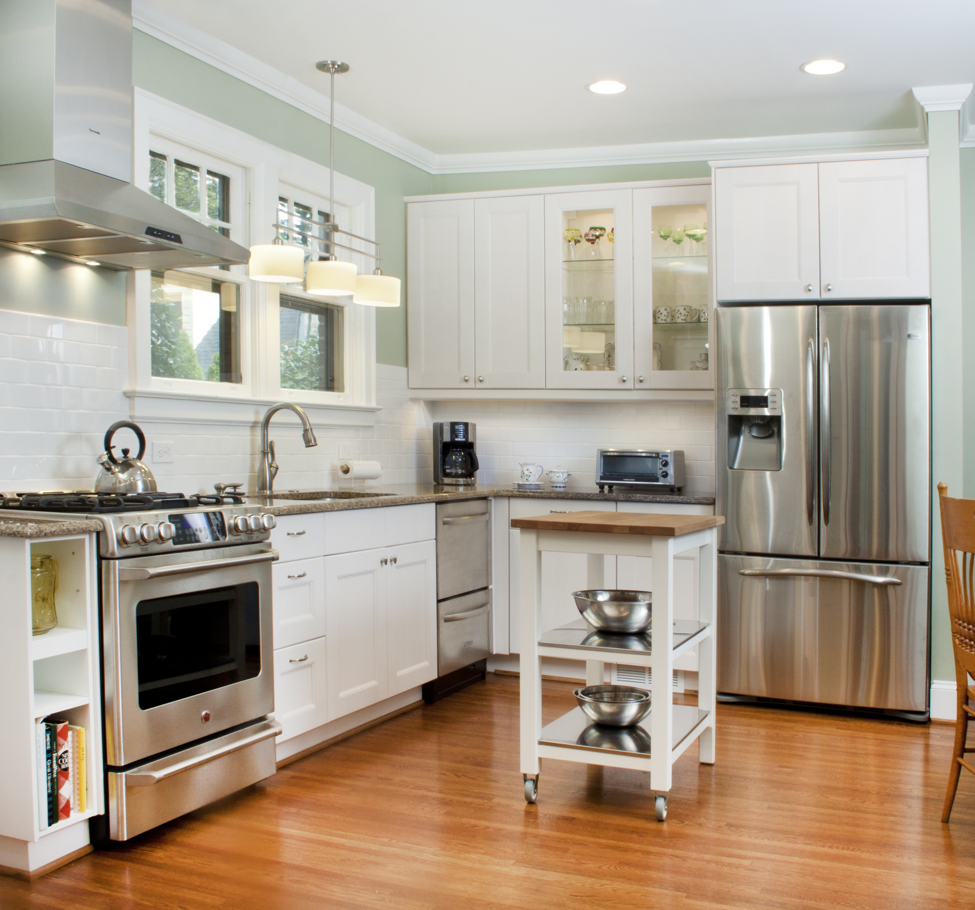 cabinet ideas for small kitchens photo - 2