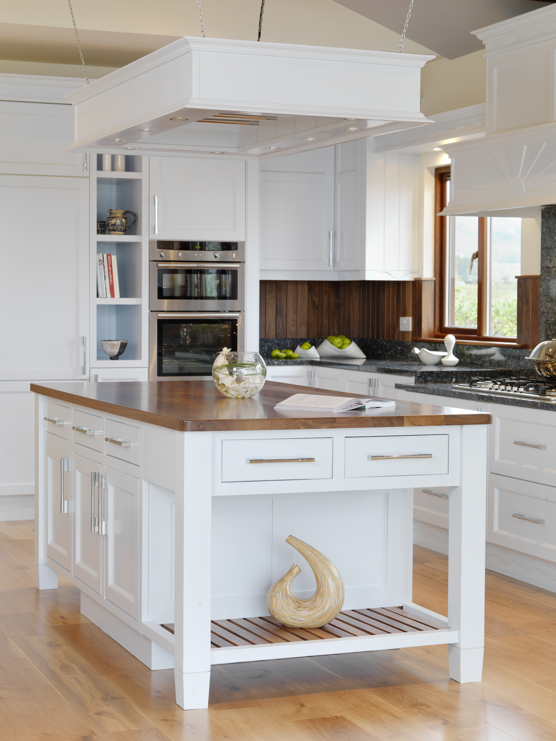 cabinets for a small kitchen photo - 1