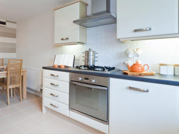 cabinets for small kitchens photo - 2