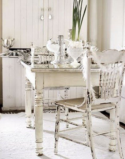 chic dining rooms photo - 2