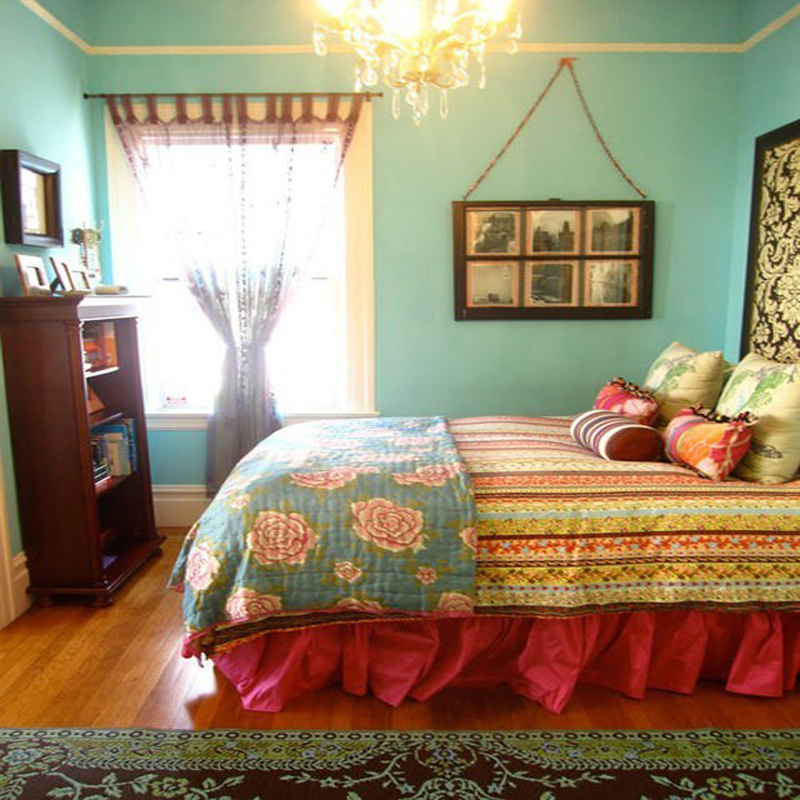 colorful bedroom decor photo - 1