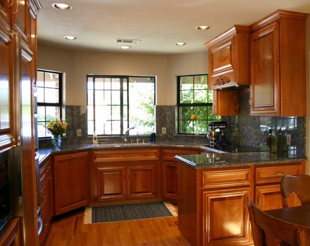 colors for small kitchens photo - 2