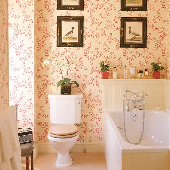 decorating ideas for a small bathroom photo - 1