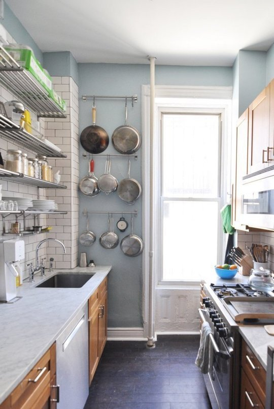 decorating small kitchens on a budget photo - 2