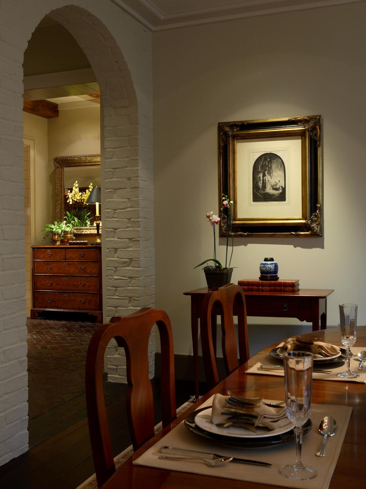dining room artwork photo - 2