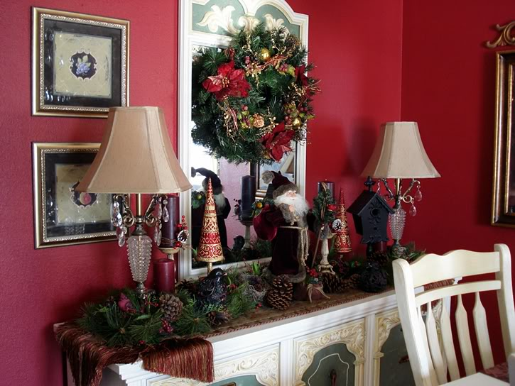 Dining Room Christmas Decorations Photo