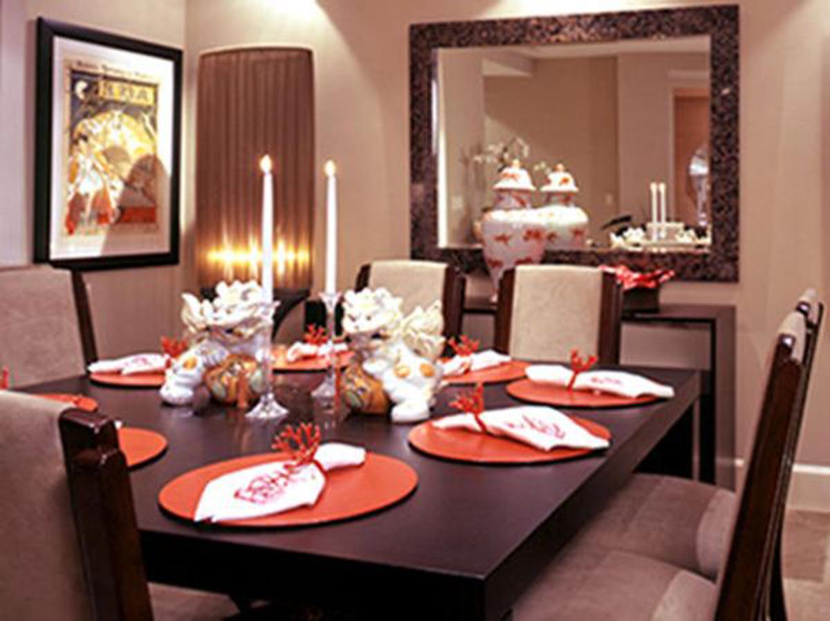 dining room furnishing photo - 2