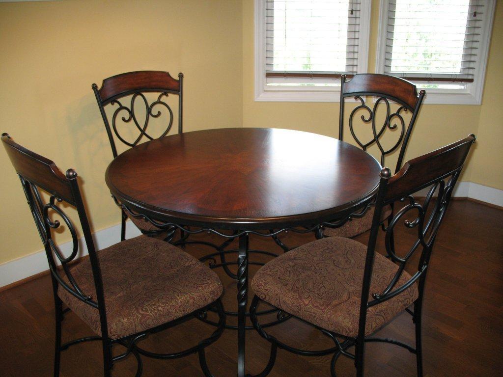 dining room seats photo - 1