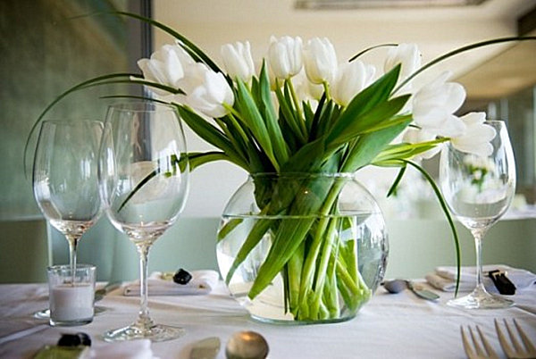 Charmant Dining Table Floral Centerpieces