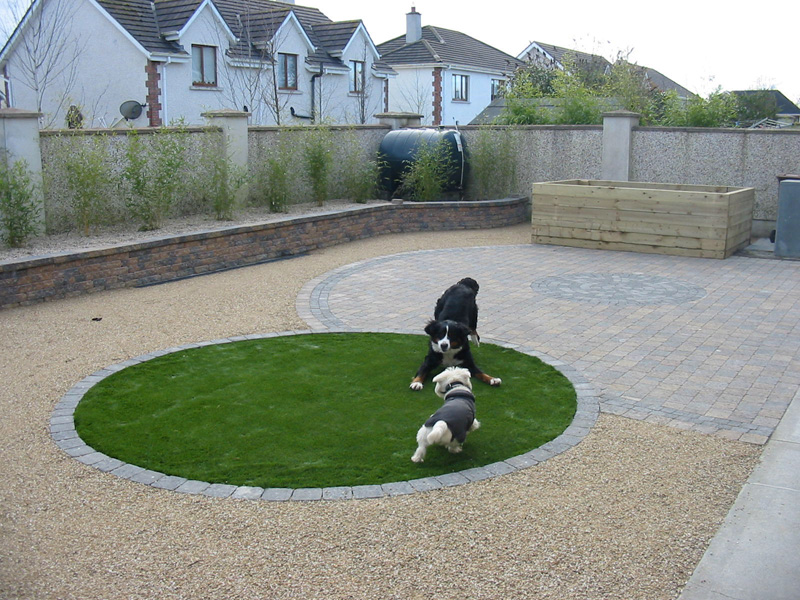 Dog friendly backyard landscaping large and beautiful for Dog friendly landscape design