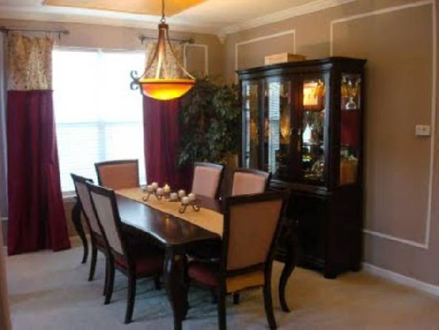 Formal dining room table centerpieces large and for Formal dining room centerpiece ideas