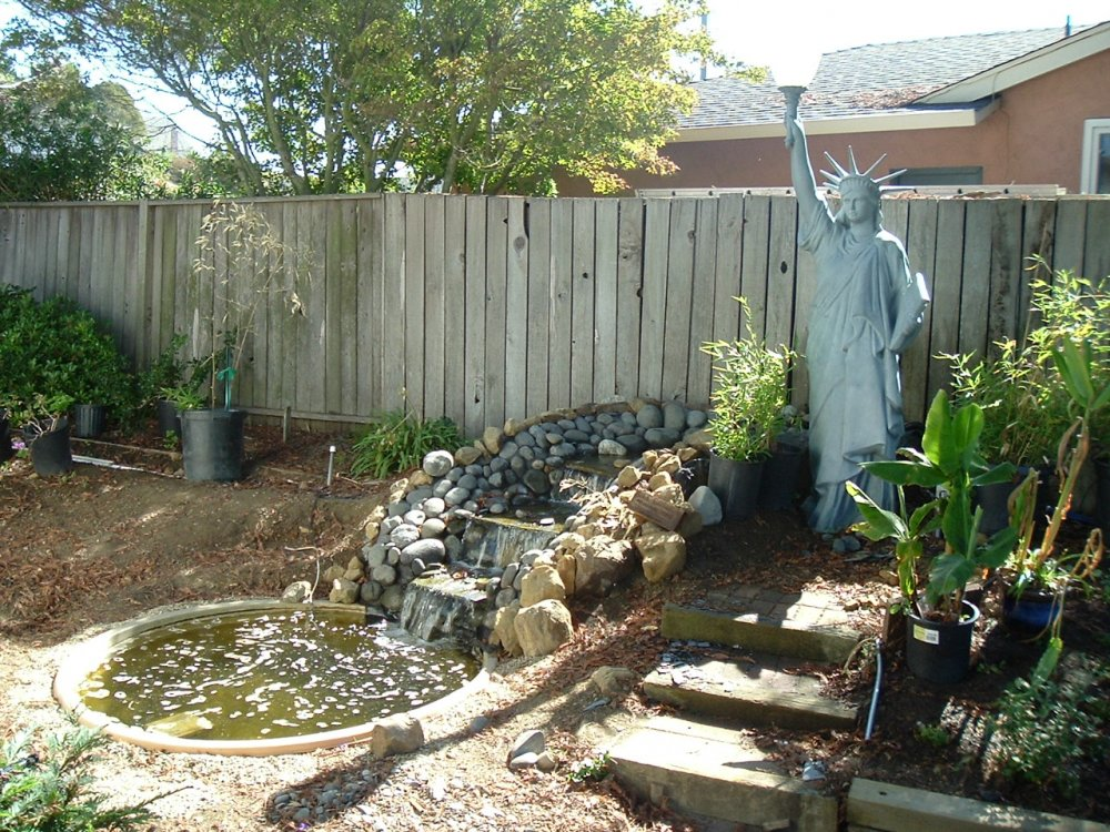 fountain backyard photo - 2
