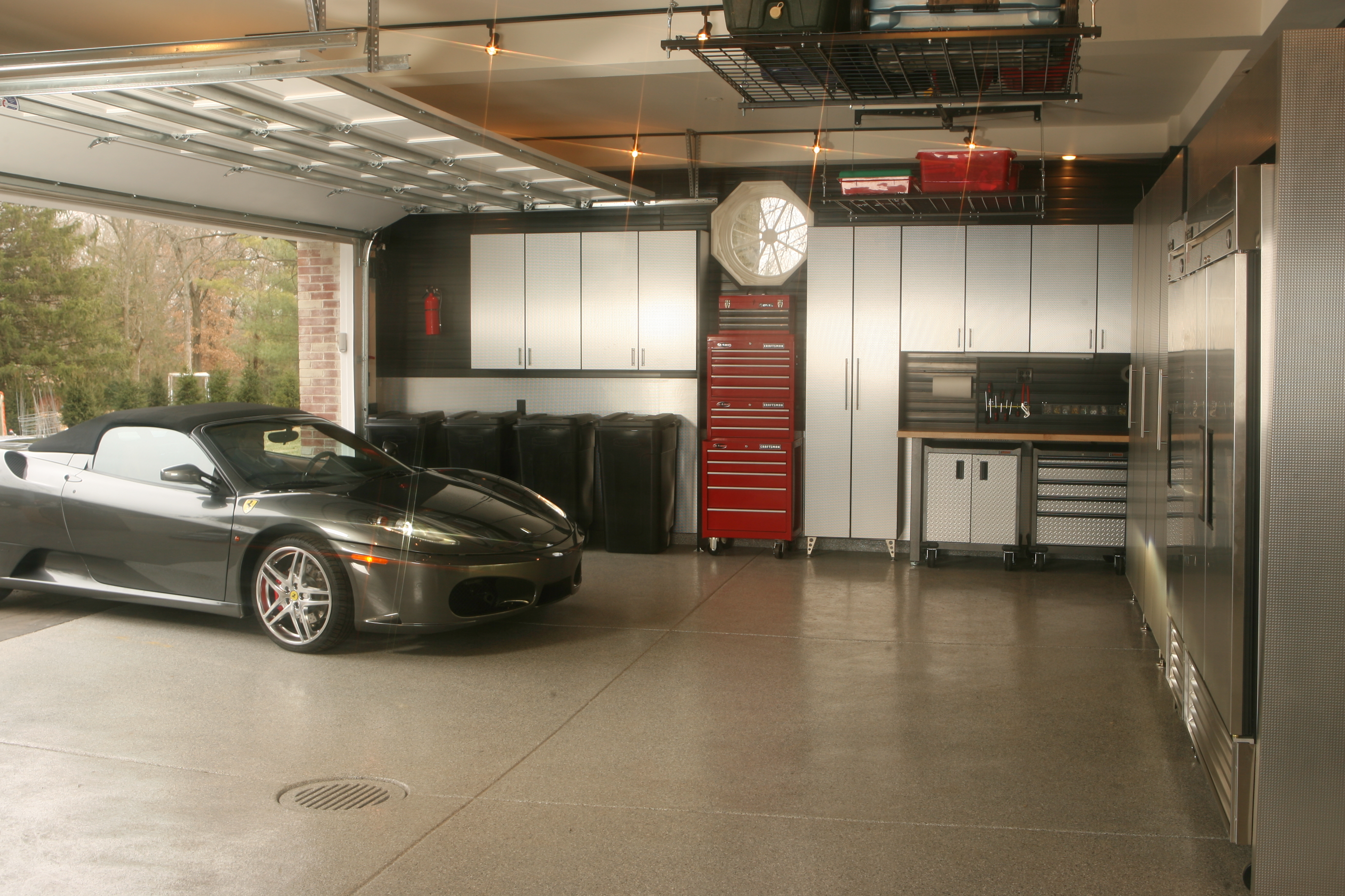 garage interior photo - 1