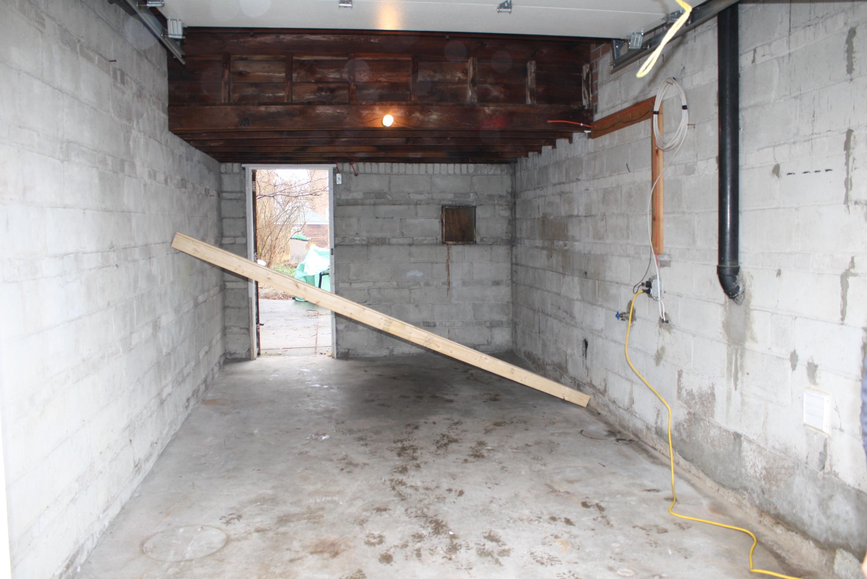 garage into room photo - 2