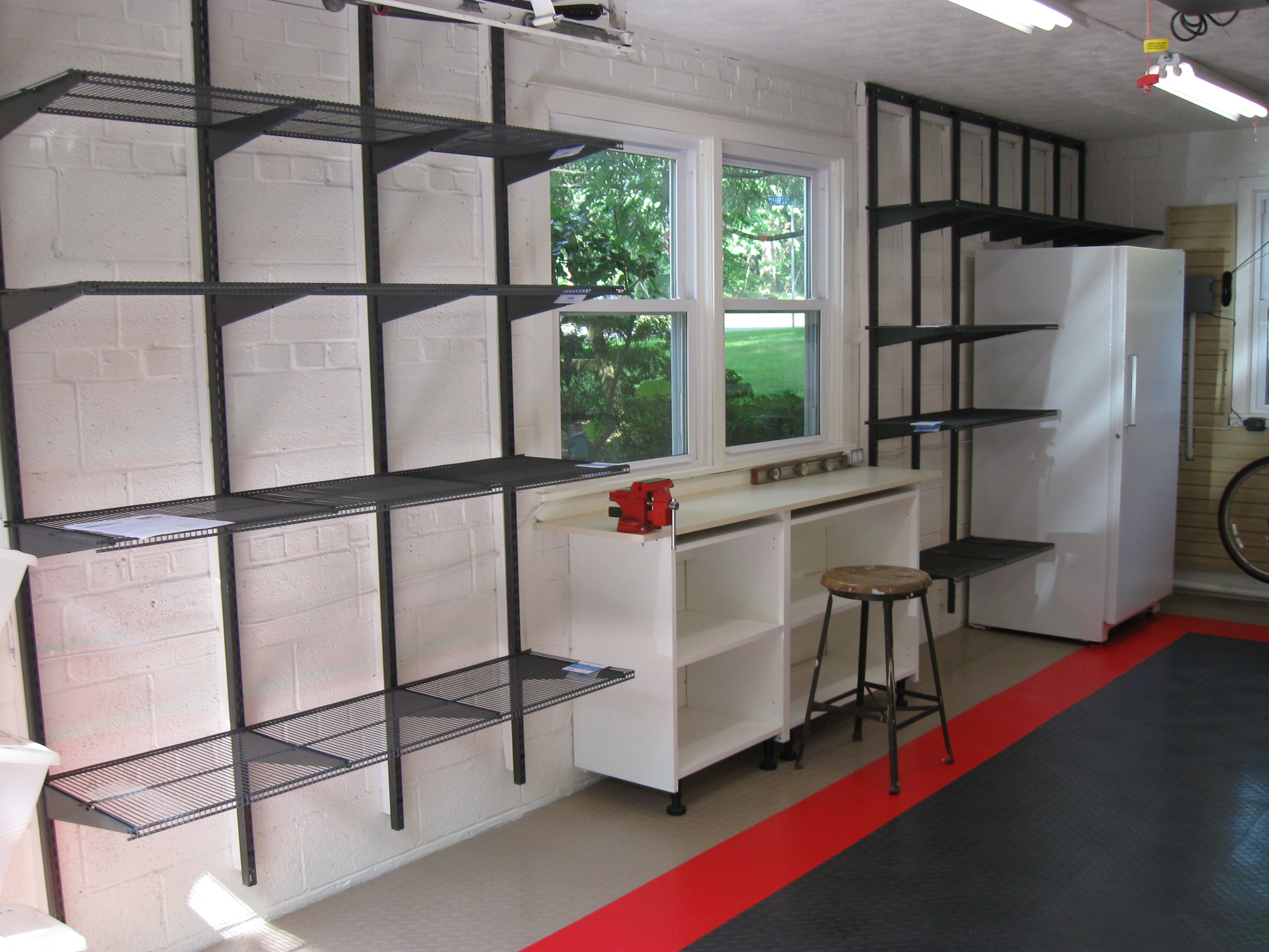 garage organization design photo - 2