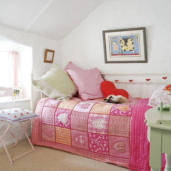 girl bedroom ideas for small rooms photo - 2