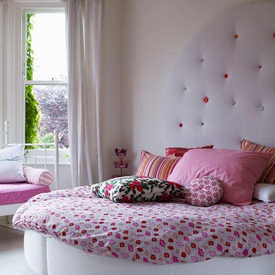 girly bedroom photo - 2