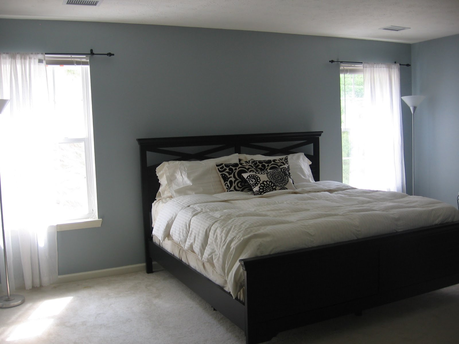 Grey blue bedroom paint colors large and beautiful for Grey wallpaper bedroom
