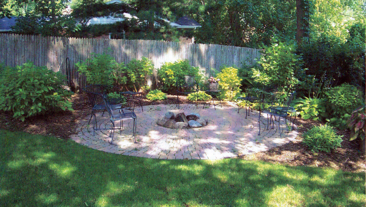 how to design backyard landscaping photo - 1
