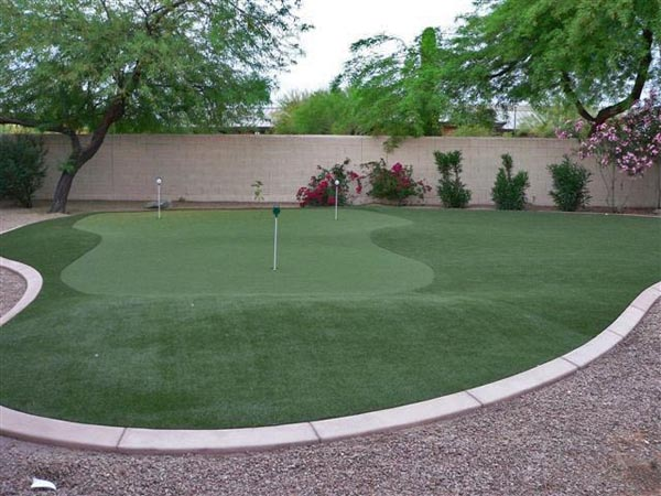 how to make a golf green in your backyard photo - 2