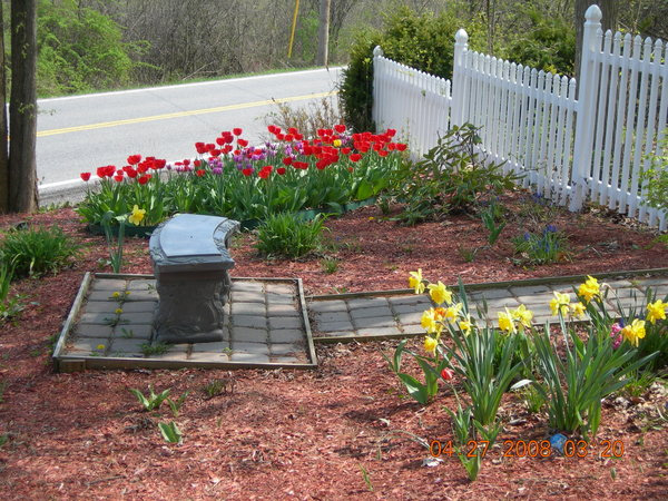 inexpensive small backyard ideas photo - 1