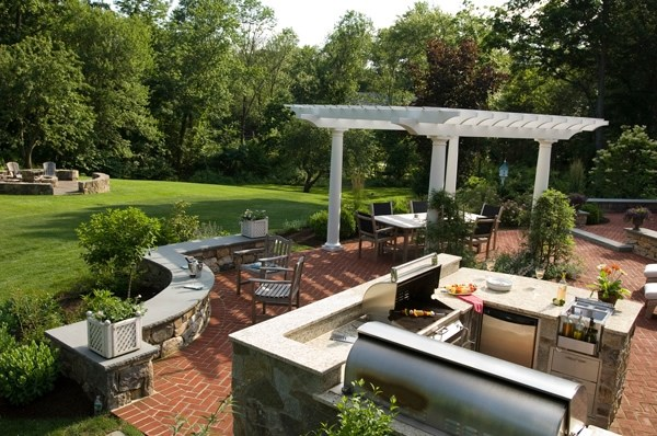 landscaping ideas for large backyards photo - 2