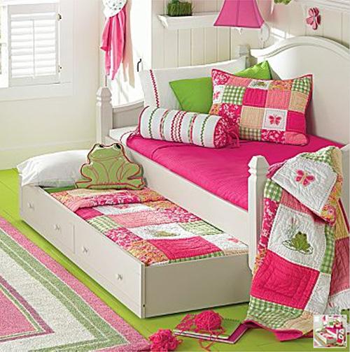 little girl bedroom decor photo - 1