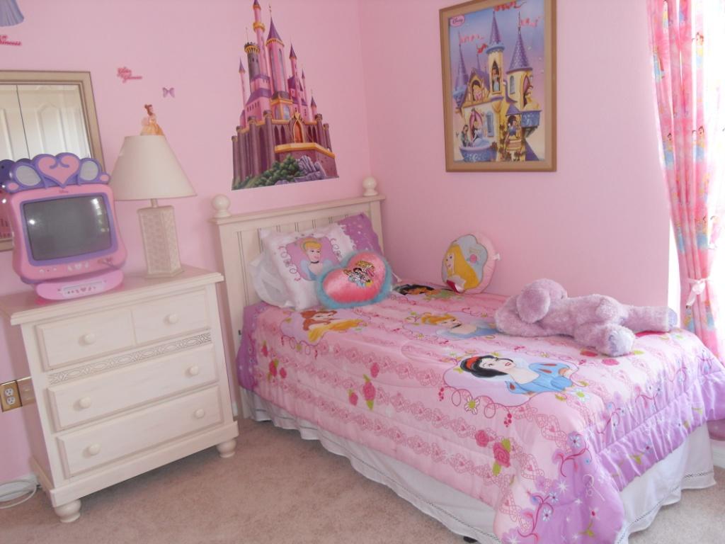 little girl bedroom decor photo - 2