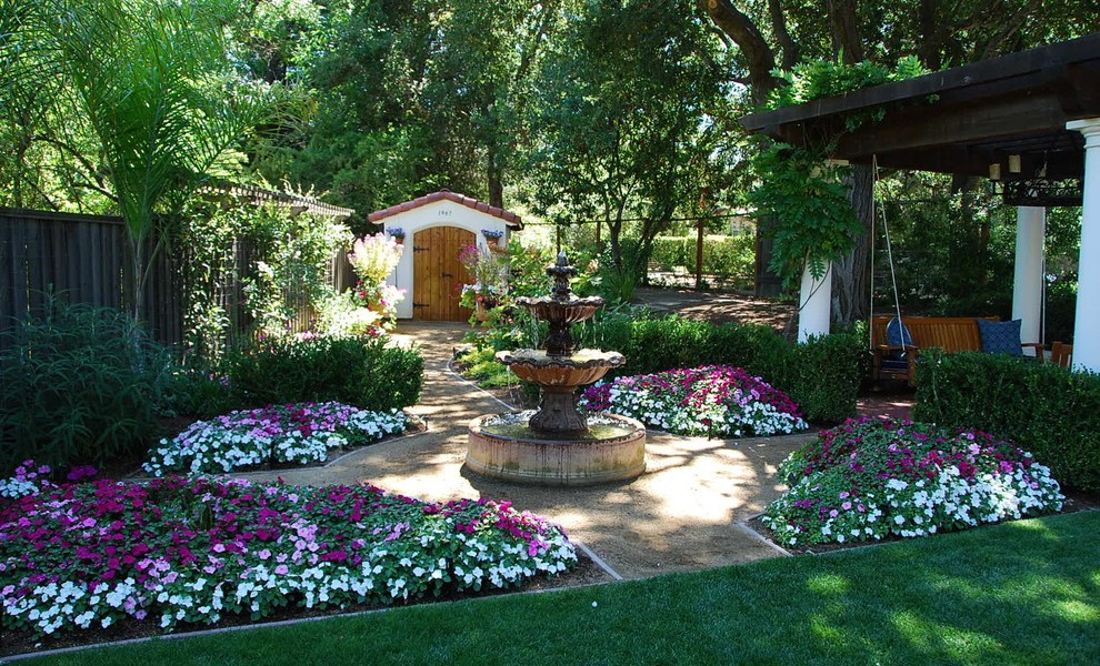 Mediterranean Backyard Landscaping Ideas Photo   2