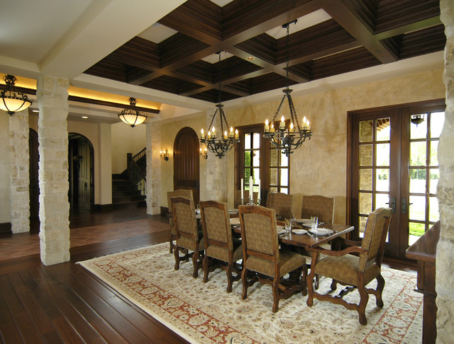 mediterranean dining room photo - 2