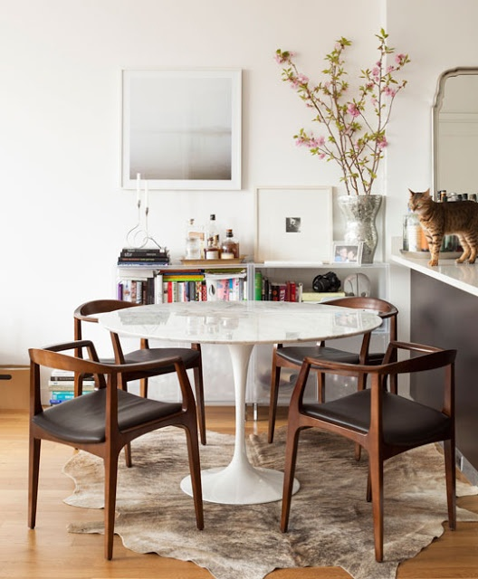 mid century modern dining room table and chairs photo - 2 - Mid Century Modern Dining Room Table And Chairs - Large And