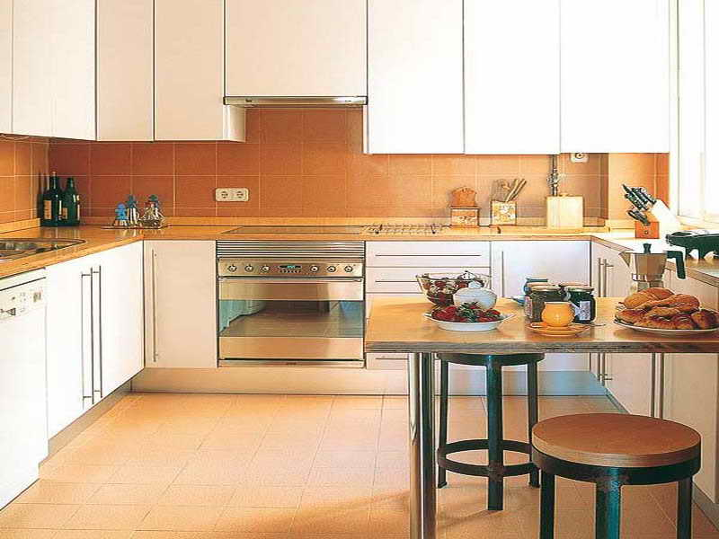 modern kitchen designs for small spaces photo - 2