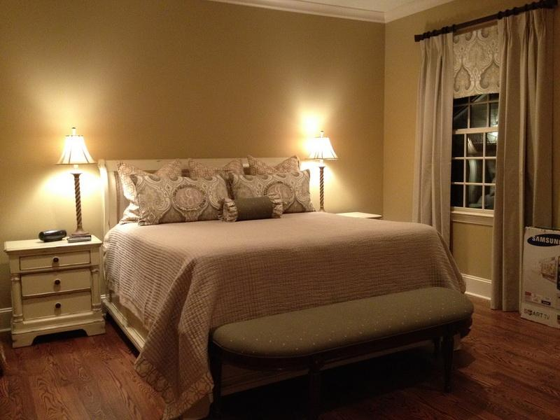 neutral colors for bedrooms photo - 2