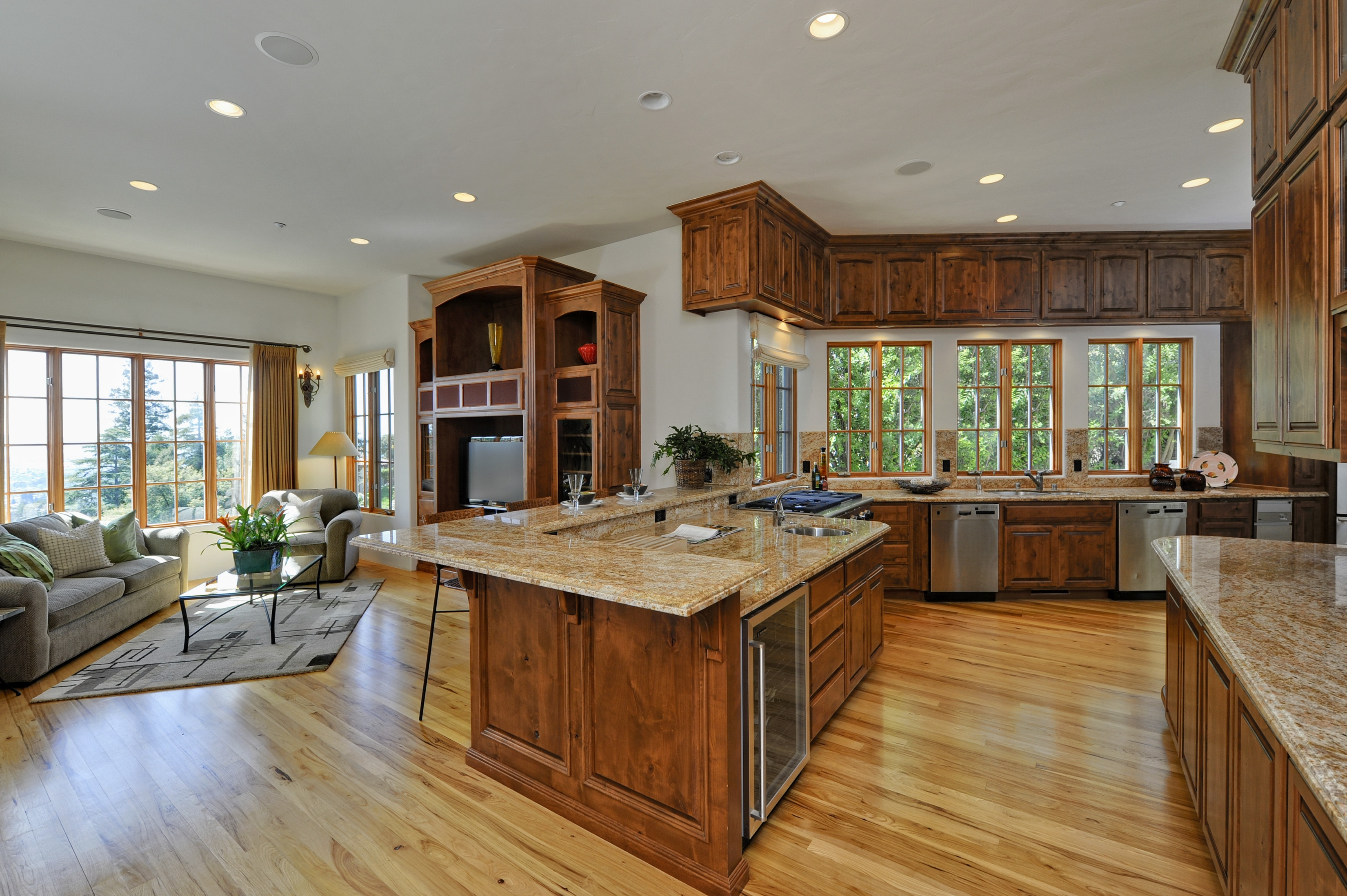 open kitchen to dining room photo - 2
