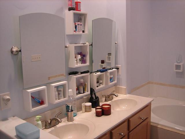 organized bathroom photo - 1