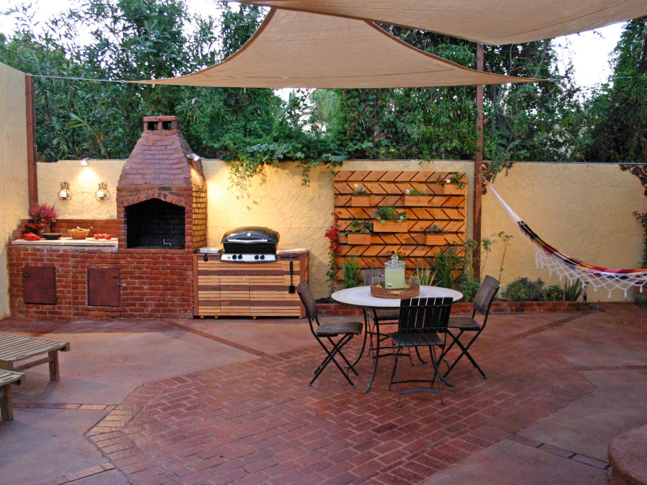 outdoor kitchen designs for small spaces photo - 2