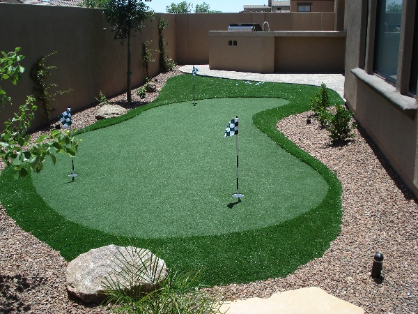 outdoor putting greens your backyard photo - 2