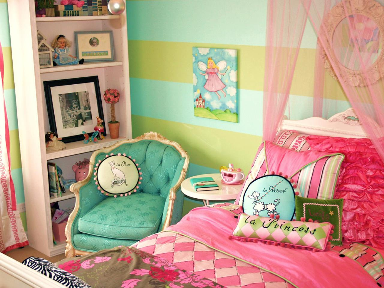 parisian themed bedroom for girl photo - 1