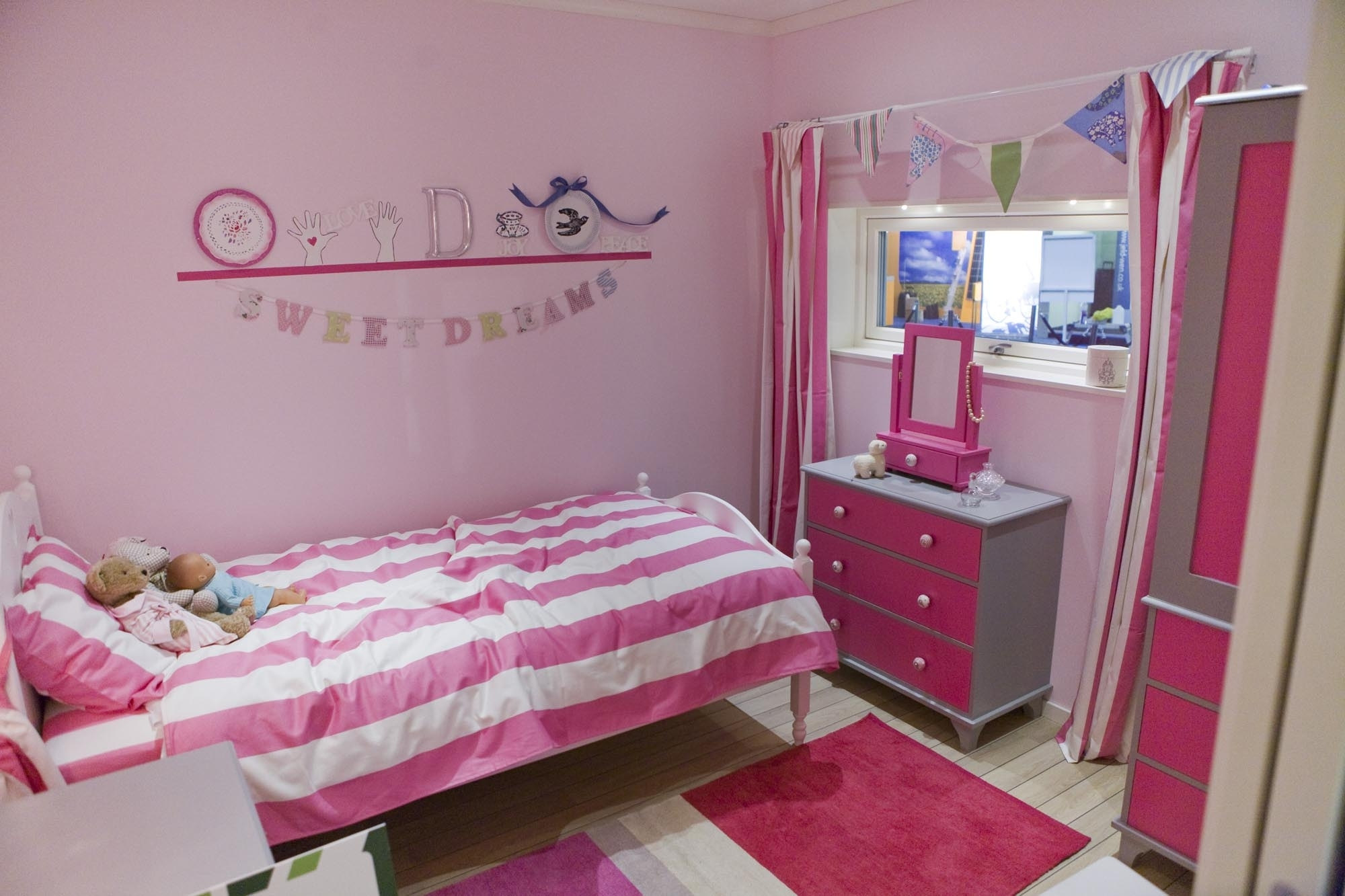 pictures of girl bedrooms photo - 2