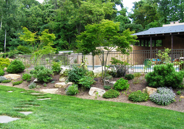 pictures of landscaped backyards photo - 2