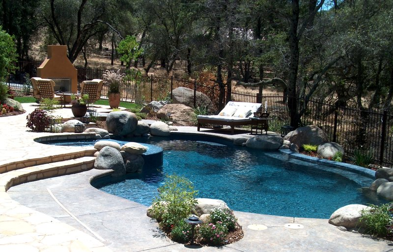 pool backyards photo - 2
